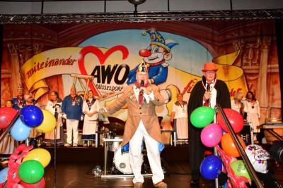 100 Jahre AWO Düsseldorf: Gemeinsame Karnevalssitzung mit der Tonnengarde im Radschlägersaal der Rheinterrasse.