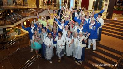 Besuch der Tonnengarde bei der Kostümsitzung der Prinzen-Garde Köln im Hotel Maritim am 17. Januar 2019