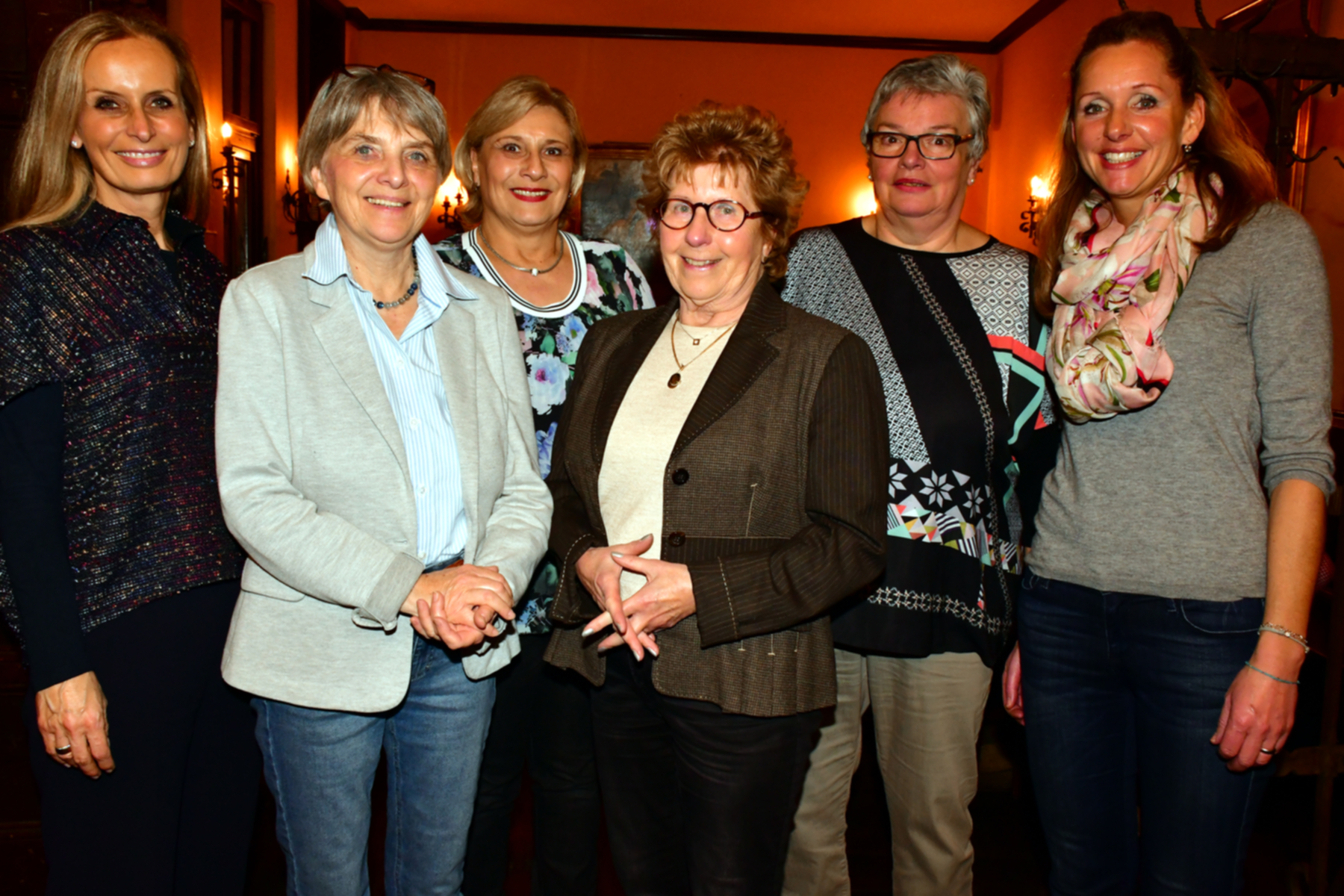 Anna Lederer, Monika Weiss, Conny Schmalbach(hinten), Gisela Timpe-Rottwilm (vorne), Renate Marx, Anke Conti Mica